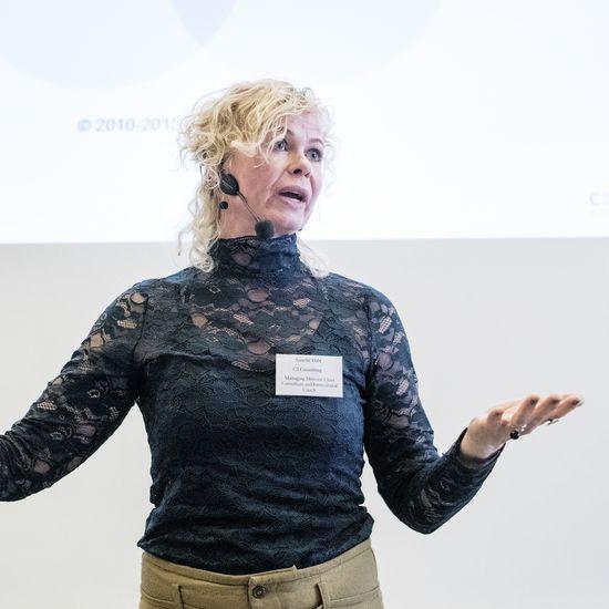 Annette Dahl som en af hovedtalerne ved IBACC China Business Forum, april 2018.